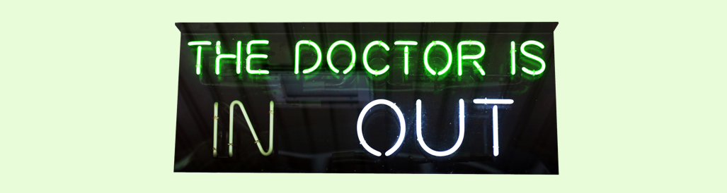 Image of a sign showing whether the doctor is available
